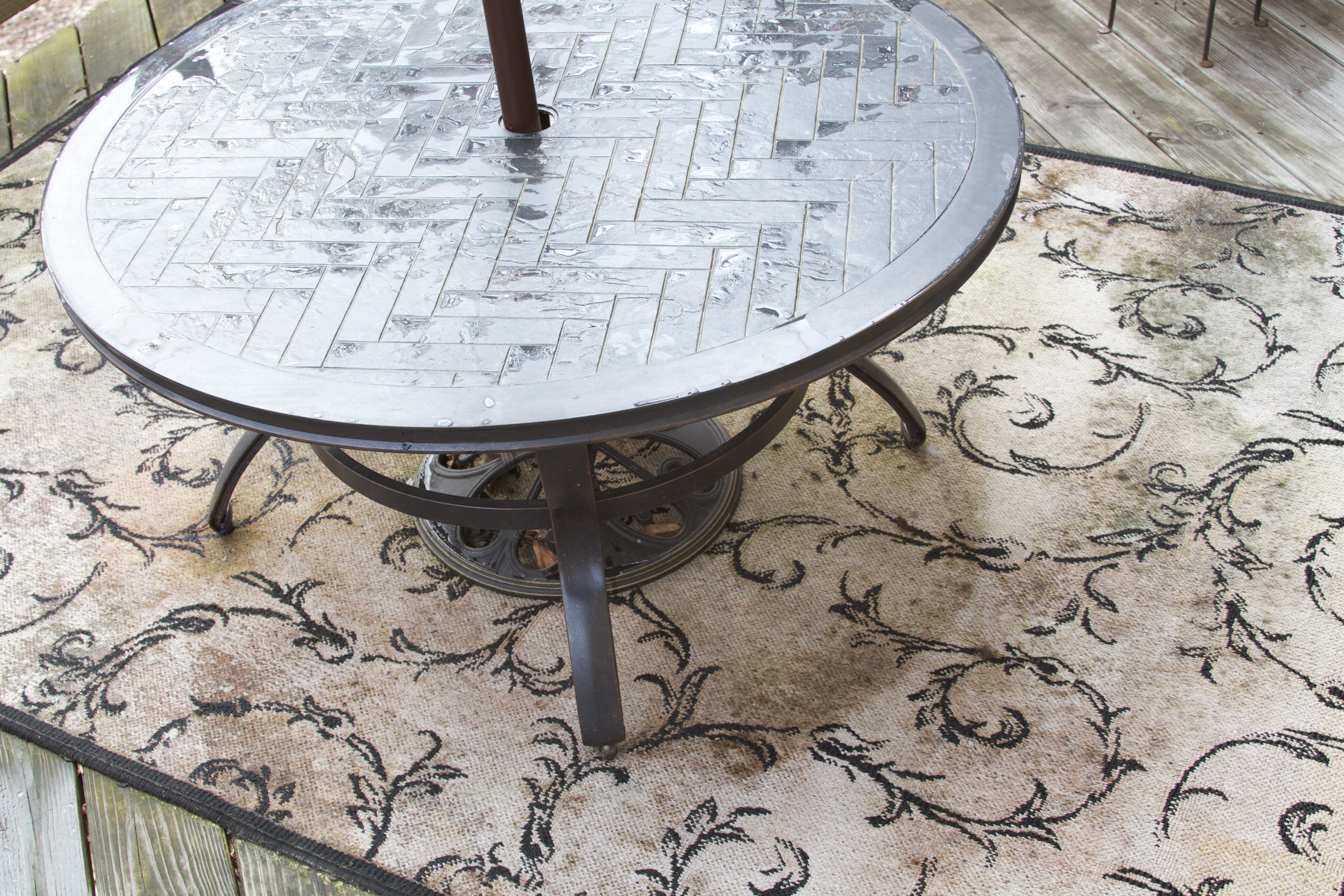 How To Clean Mold And Mildew From An Outdoor Rug