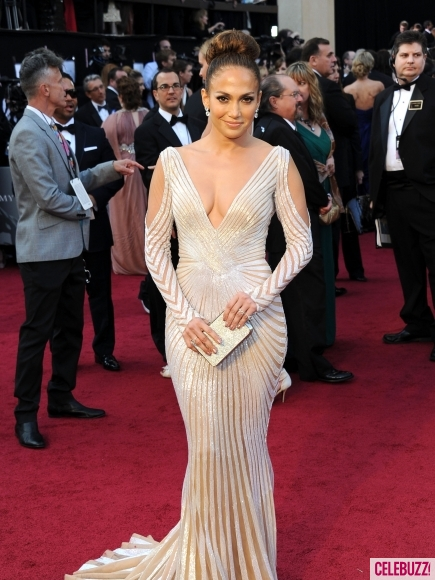 Jennifer-Lopez-at-the-2012-Oscars-2-435x580