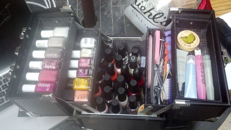 Nail polish storage case - Boite de rangement pour vernis ...