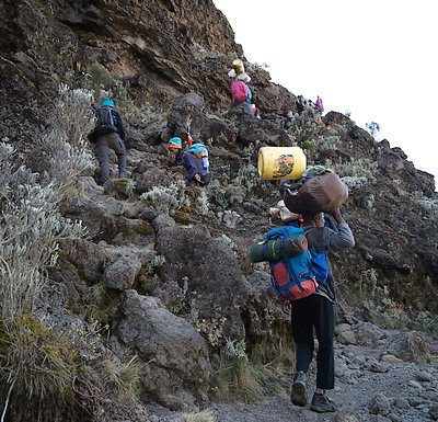 Climbing-machame-barranco