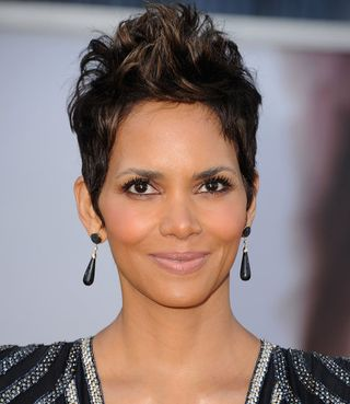 19b55b5233a2cd39_Halle-Berry-Oscars.preview