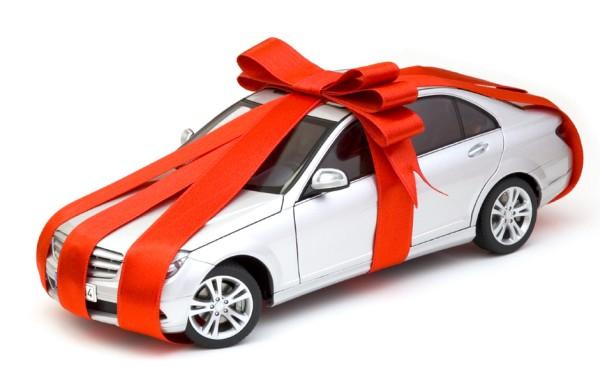 Car_with_bow_on__111521artw
