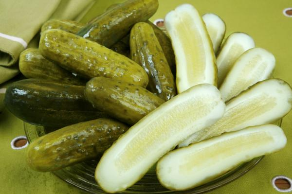 926145990dill-pickles